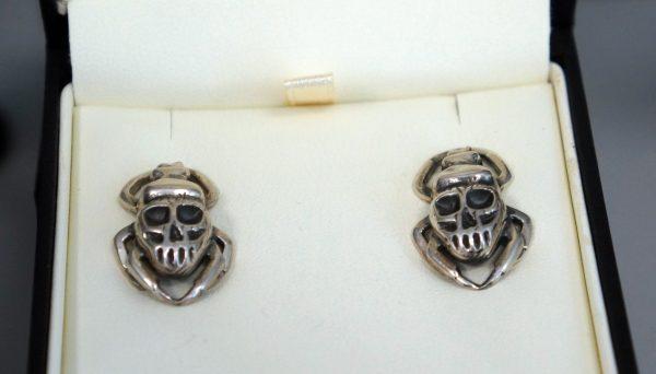Boucles d'oreilles Scarabée-crânes - SCARO par Caroline Arbour