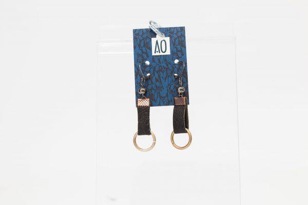 Boucles d'oreilles rectangulaires noires avec anneaux - Ariane Ouellet